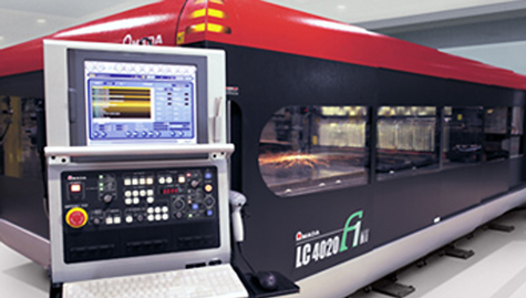 Installing an industrial laser-cutting machine